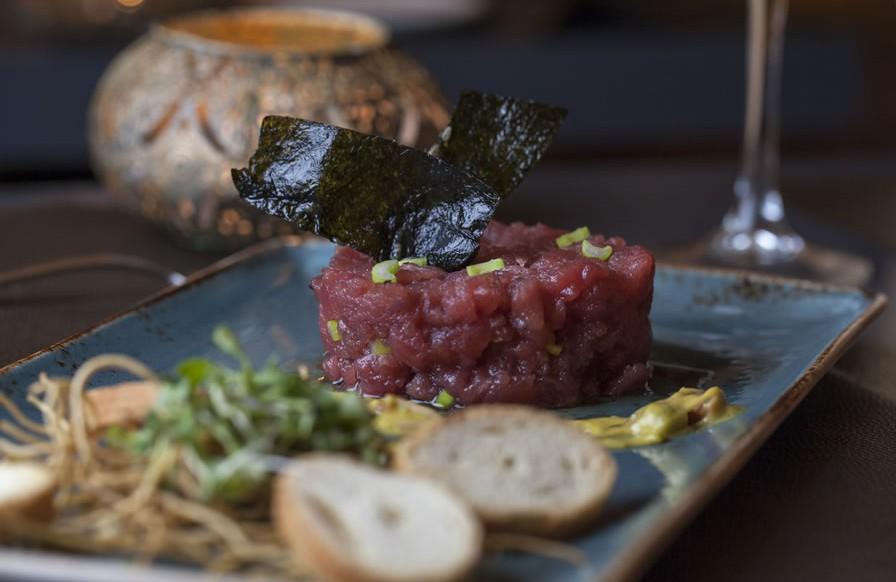 Tartar de atún rojo de almadraba con alga nori